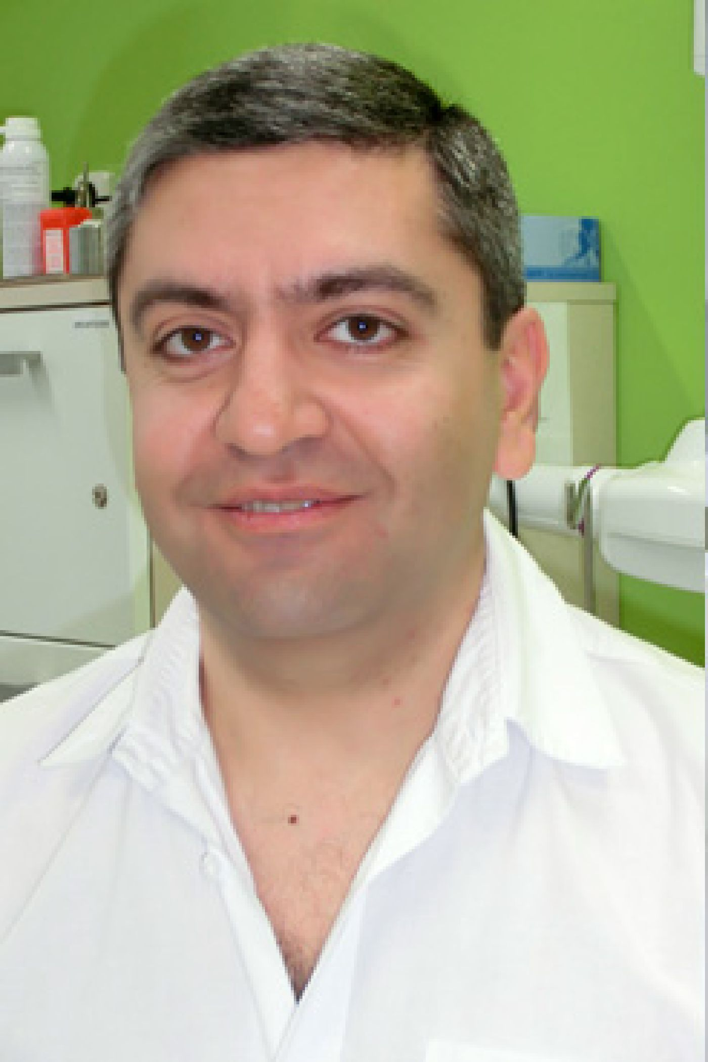 MUDr. Edgar Oganessian, Ph.D.